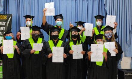 Certificación en competencias laborales de 380 recicladores