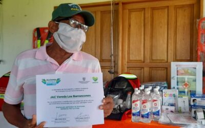 San Juan de Urabá entrega kits para las Juntas de Acción Comunal